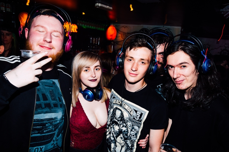 cathouse-headphone-party-107