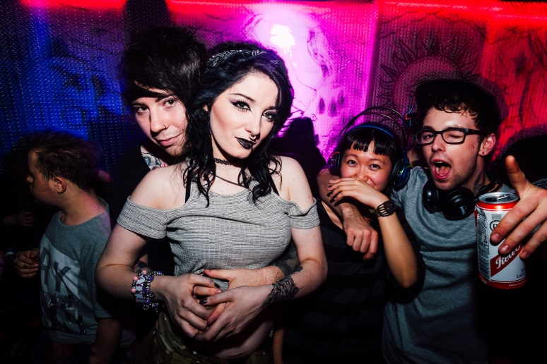 cathouse-headphone-party-265